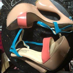 Eclectic heel sandal